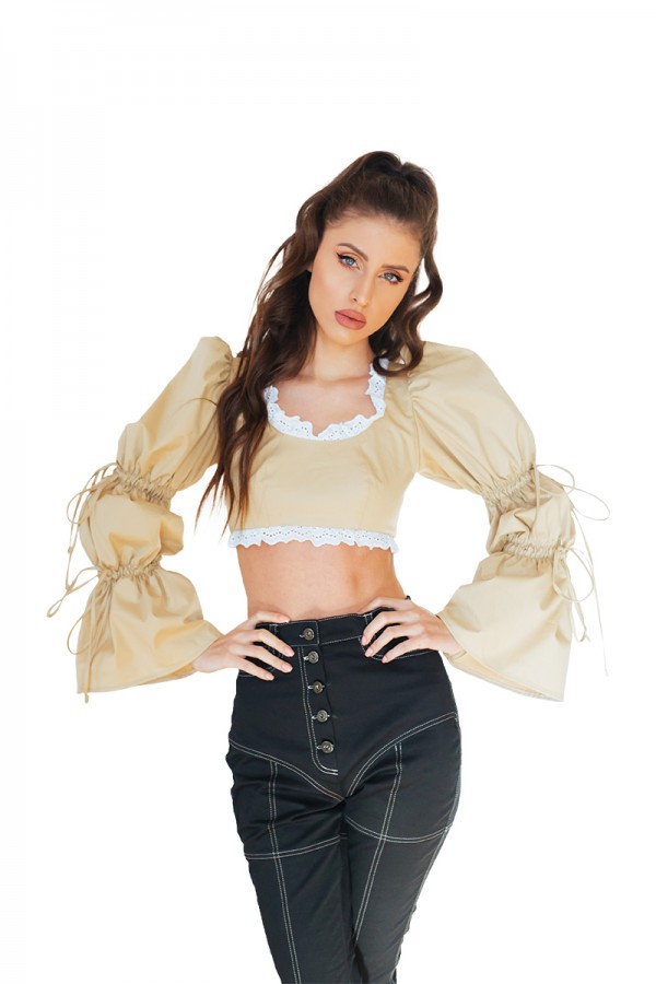 nude cropped top with puffed sleeves3